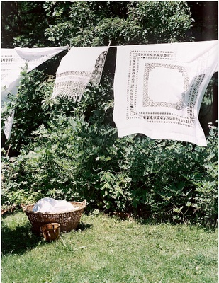 preferred laundromatLaundry Time, Eddie Ross, Summer Day, Vintage Handkerchief, Country Living, Cleaning Laundry, Country Life, Linens Dry, Laundry Room