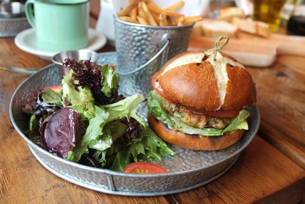 The shrimp burger from Destingo