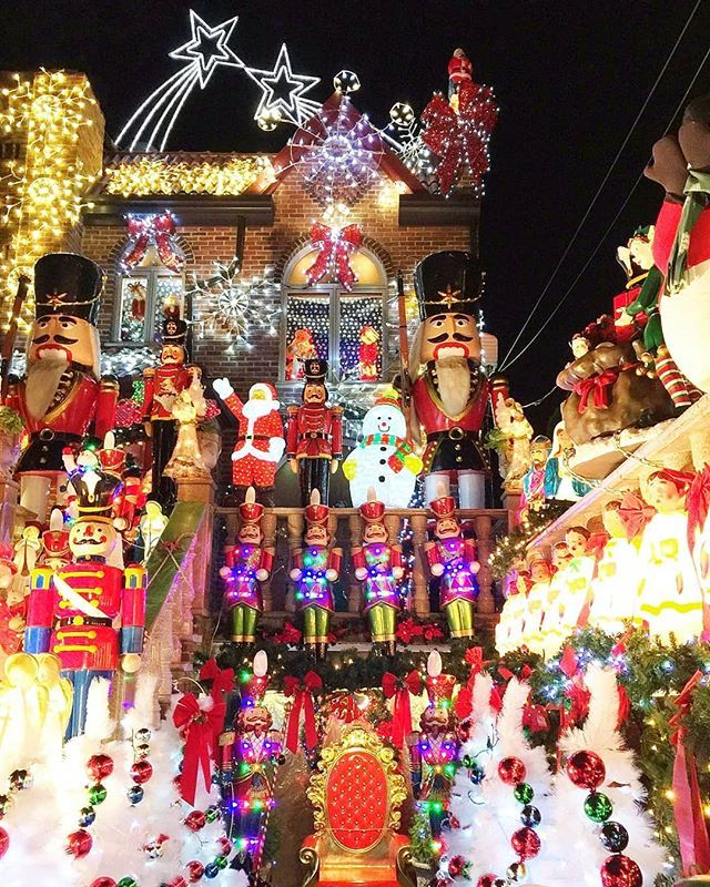 Dyker Heights Christmas Lights.What Dyker Heights Christmas Lights The Over The Top