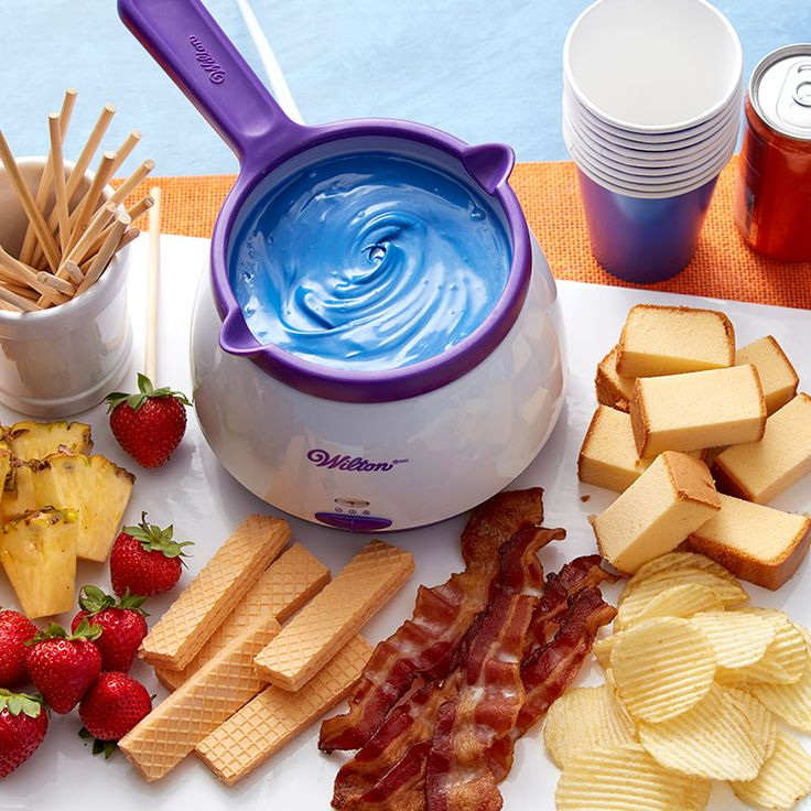 Melt up to 2½ cups of Candy Melts candy in 10 minutes or less with the Wilton Candy Melts Candy Melting Pot.
