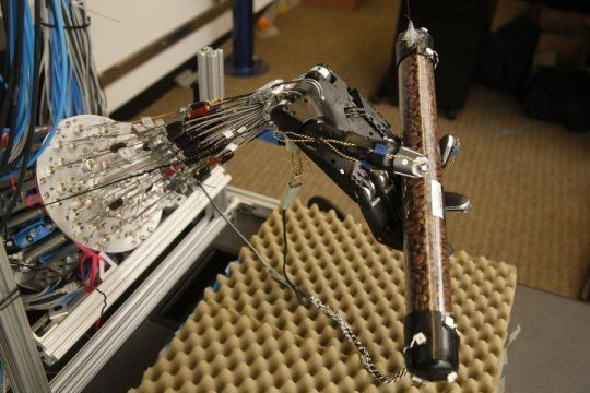 Today in Robot News: This 5-fingered robot hand learns to get a grip on its own.