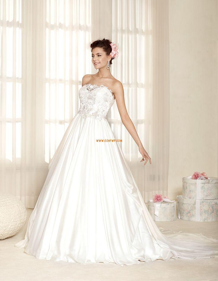 A-vonalú Court uszály Rátétek Menyasszonyi ruhák 2015
