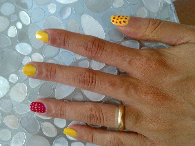 Nail art Yellow pois