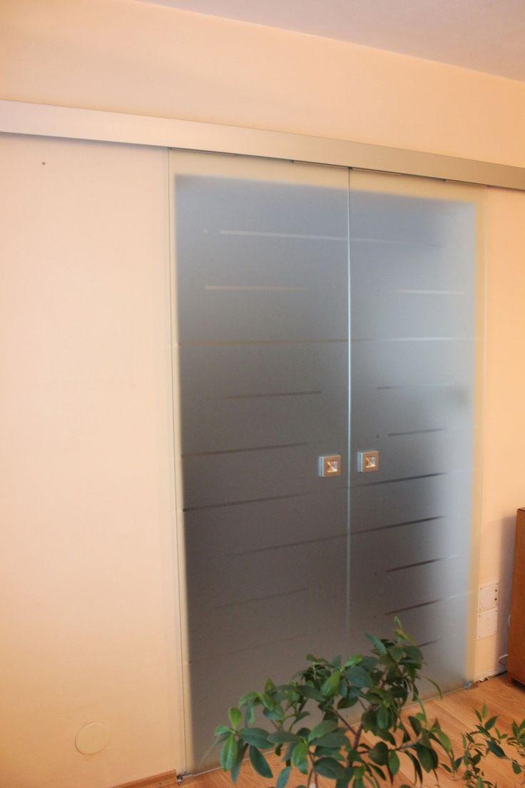 sklenené dvojkrídlové dvere DGG-142.3
