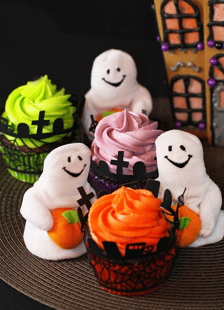 2143 best images about halloween cupcakes cakes for Halloween mini cupcake decorating ideas