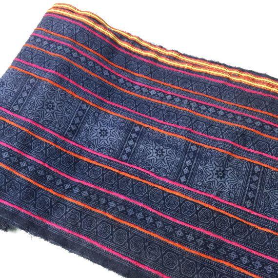 Nautique lndigo Bohème VINTAGE HMONG Textile Batik par NTAUBdesign