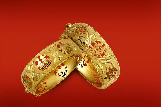 Traditional Chinese Wedding - Gold Bangles