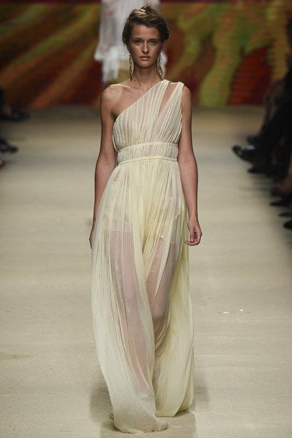 Alberta Ferretti - Spring/Summer 2016 Ready-To-Wear - MFW (Vogue.co.uk)