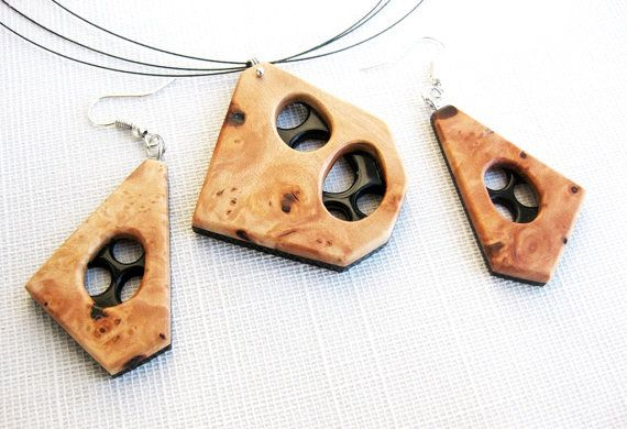Exotic burl wood and buffalo horn necklace by NatureArtJewellery, $89.00