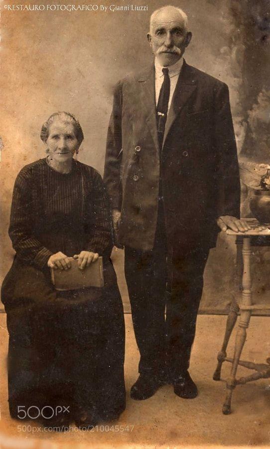 Foto del 1870 Rappresenta una coppia di proprietari terrieri -