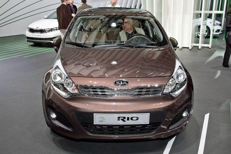 Taking The Reliable KIA Rio Sedan As Your New Ride