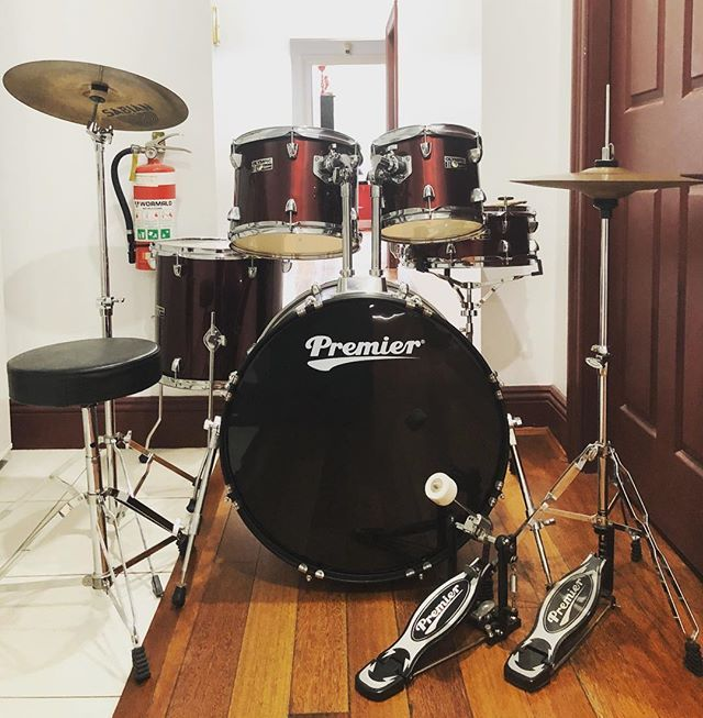 300 This Premier Olympic Is 10 12 Rack Toms 14 Floor Tom 22 Bass Drum 14x5 5 Snare It Was Used In A Teaching Room So Its Drum And Bass Drums Drum Pedal