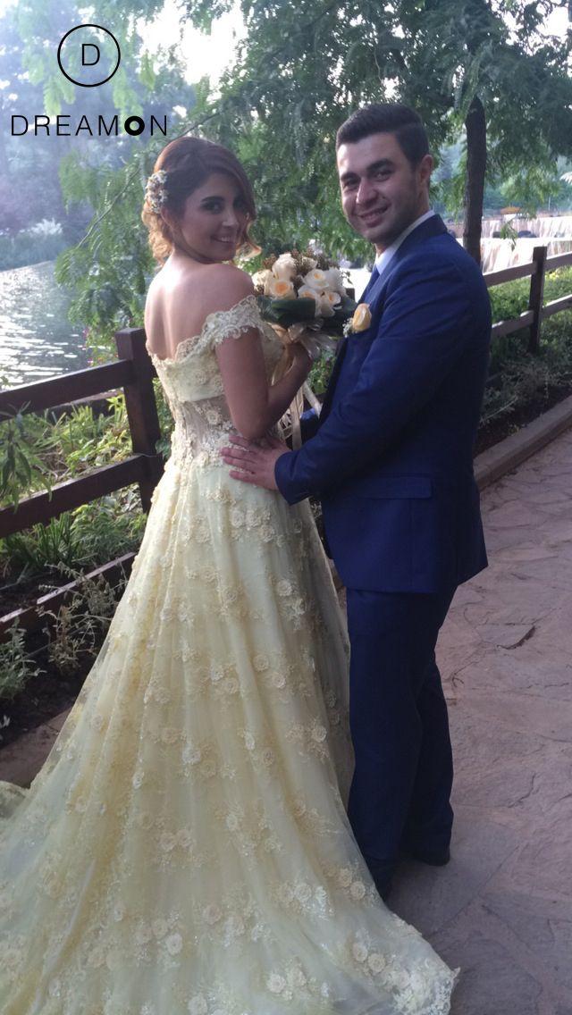 Nişanında sarı renkteki DreamON özel tasarımı nişan kıyafetiyle göz kamaştıran Burcu Özsert ve Selim Bağcı'ya mutluluklar dileriz. www.dreamon.com.tr  #dreamon #gelinlik #bridals #fairytale #koleksiyon #gelinlikmodelleri #engüzelgelinlik #mağaza #gown #wedding #abiye #dreamongelini #abiyemodelleri #happiness #mutluluk #nisanlık #happy #design #gaziantep #style www.instagram.com/burczsert