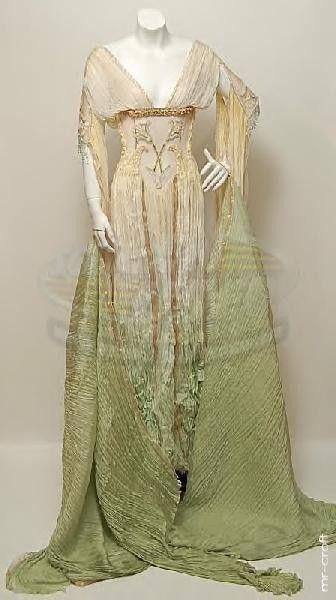 Van Helsing Verona bride dress