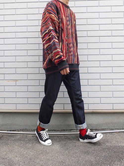 クージー風ニット〜 このサイズ感がなかなか良き🤤 分かりづらいけど靴下の色の変えてます。 右足がオ