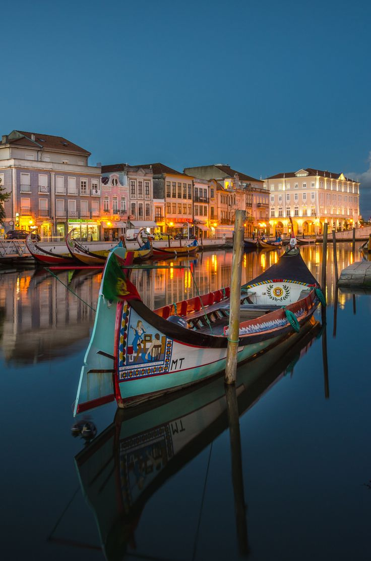 The Moliceiro boat - Aveiro-Portugal- by Hugo Carvoeira on 500px