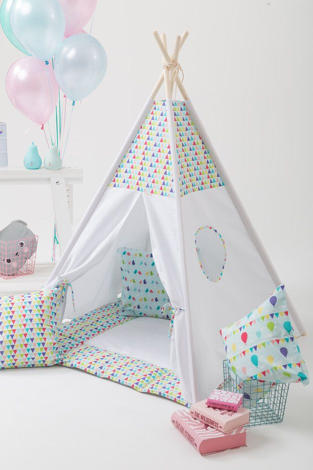 Buntes Indianerzelt fürs Kinderzimmer, Tipi zum Spielen / colorful kids teepee made by Wigiwama via DaWanda.com