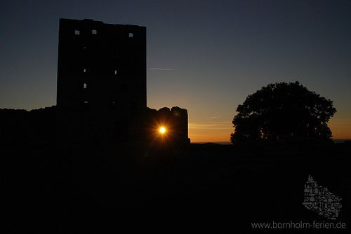 Sonnenuntergang auf Burg Hammershus, Bornholm #Hammershus #Burg #Ruine #Bornholm #Danemark #Daenemark
