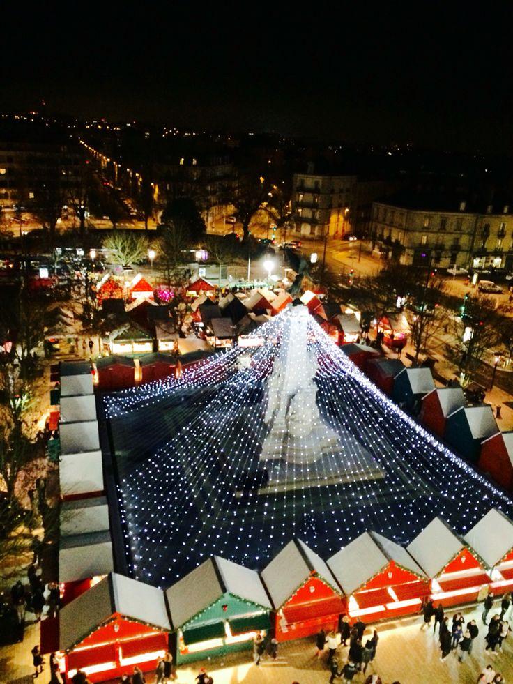 Le marché de Noël place de la République à Dijon