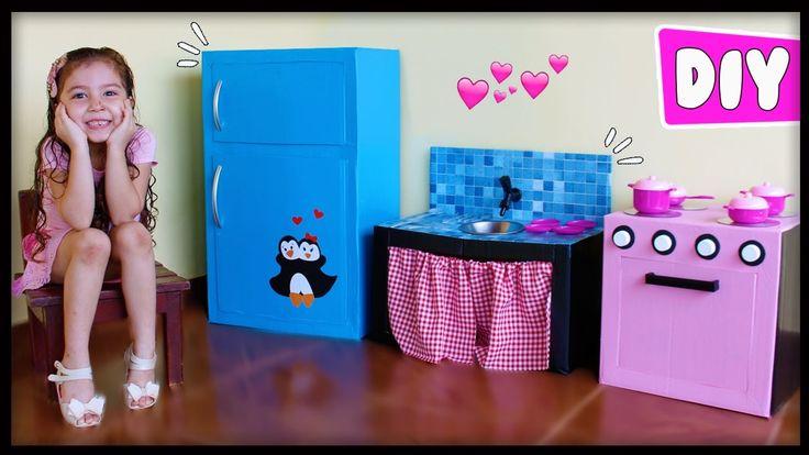 Faça você mesmo fogão, geladeira e pia de brinquedo com papelão.  Me acompanhe também ↓↓↓↓  I N S T A G R A M: https://instagram.com/JessikaTaynaraYT  F A...