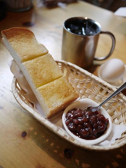 小倉トーストのモーニングセット