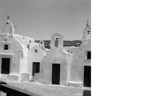 Κουσεγιάρες  (τέσσερις εκκλησίες μαζί).ΜΥΚΟΝΟΣ 1950-55 φωτ.Βούλα Παπαιωάννου
