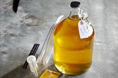 How to make your own honey mead! #alcohol #mead #wine #honey #recipe  http://www.craftlikethis.com https://www.facebook.com/pages/Craft-Like-This/390520727751556