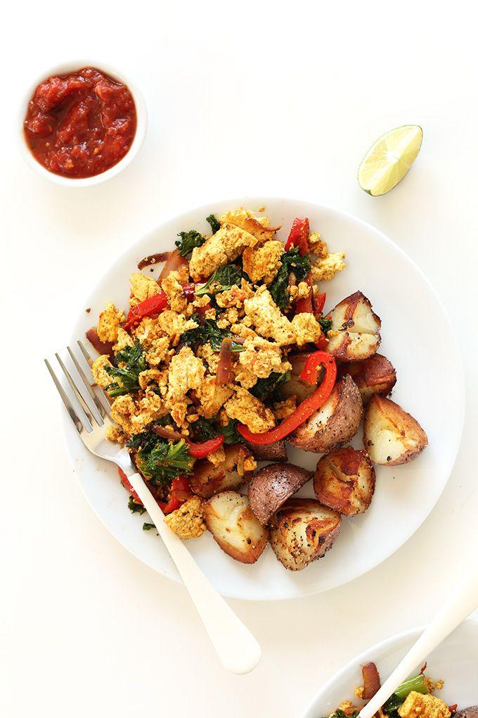 EASY Southwest Tofu Scramble! 10 ingredients, simple methods and TONS of flavor #vegan #glutenfree