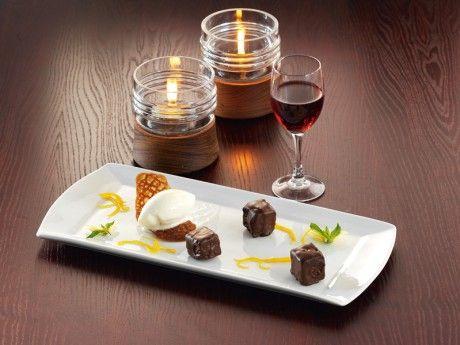 Apelsinglass med knäckflarn och chokladbrioche