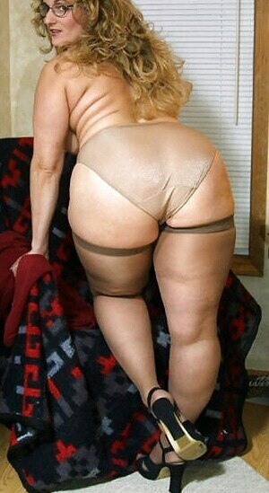 Places To Meet Sexy Horny Grannies 26