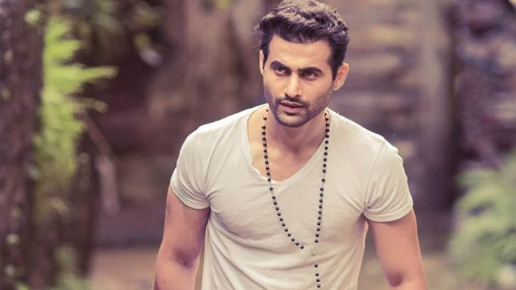 "Freddy Daruwala, who is making his Telugu debut with Ravi Teja starrer ""Touch Chesi Chudu"", says he has always been a huge fan of southern cinema for its overall ""paisa vasool"" entertainment factor. Thrilled about his southern sojourn, he said he can't wait to begin work on Vikram Siri's ""Touch Chesi Chudu"". ""I couldn't be … Continue reading ""Huge Fan Of Southern Cinema: Freddy Daruwala"""