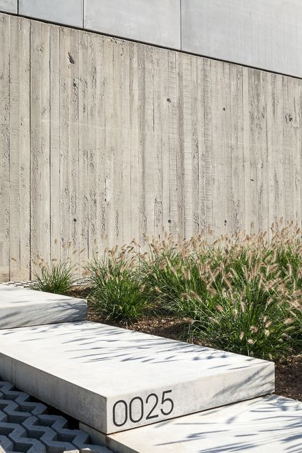 Tim Van de Velde Photography concrete american house - note the different concrete textures