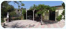 CASE VACANZE GALLIPOLI   TRILOCALE CON PISCINA  Composta da: 2 camere matrimoniale, camera 2 posti comunicante con camera mtrimoniale, soggiono con angolo cottura, 1 bagno, patio esteno nel verde, posto auto, climatizzazione (facoltativa a pagamento) piscina.  PER INFO TEL. 0833/908833  #casevacanzesalento #casevacanzegallipoli #appartamentigallipoli #appartamentisalento