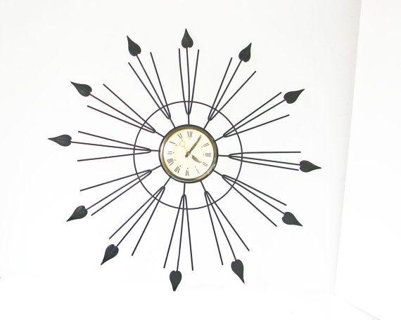 Orologio da parete d'epoca Starburst  metà secolo di BeeJayKay, $350.00