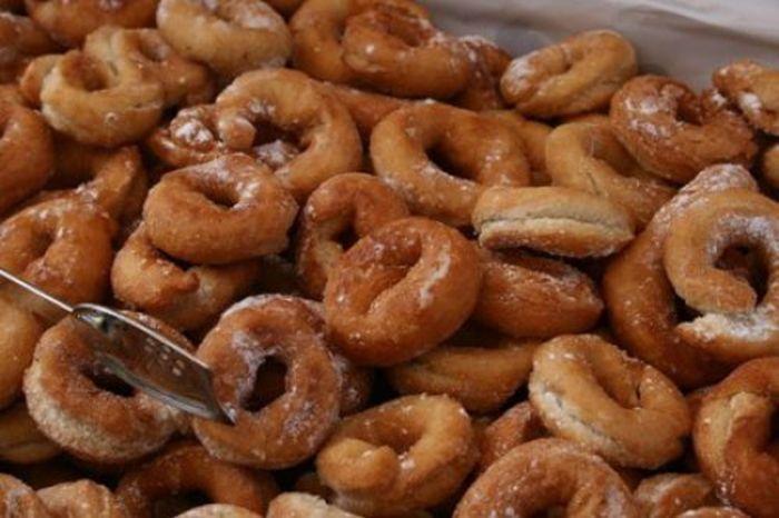 Rosquillas de Anis Fritas Te enseñamos a cocinar recetas fáciles cómo la receta de Rosquillas de Anis Fritas y muchas otras recetas de cocina..