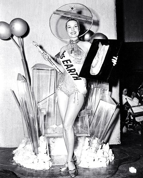 Miss Earth, 1952 ( 50's beauty contents / vintage photography / space age / atomic age )