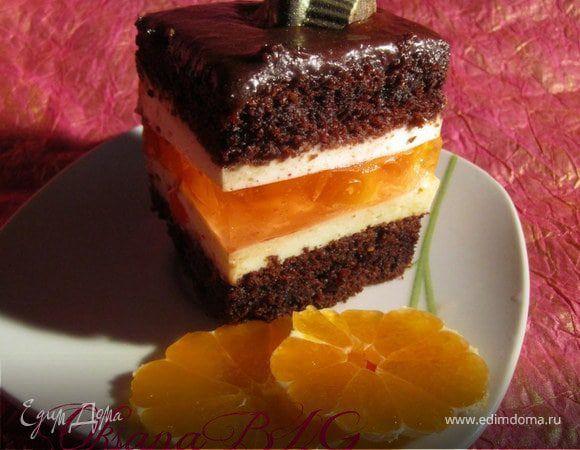 Вариант тортика с желейной прослойкой. Получается вкусный шоколадный тортик с нежной прослойкой из суфле и желе.