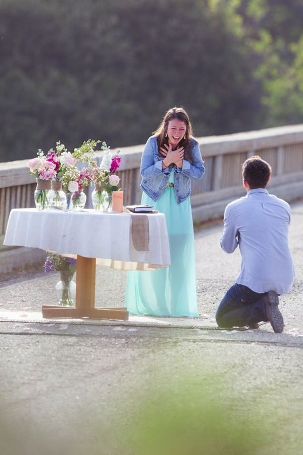 You better get a close up of my reaction! Just sayin. 24 adorable surprise proposals that will melt your heart! - Wedding Party
