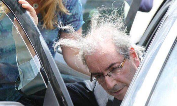 """Eric Ferraz no Twitter: """"Hoje o Eduardo Cunha ficou de cabelo em pé…"""
