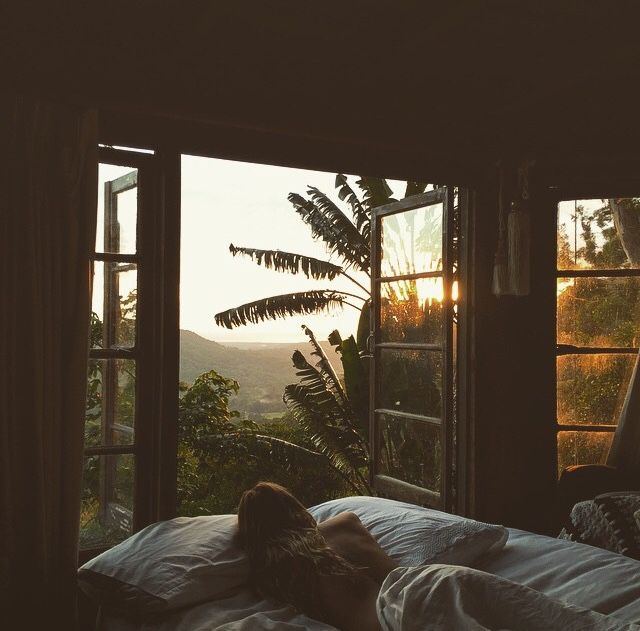 WAKE UP HERE NEXT TO YOUR FAVOURITE PERSON   Soundcloud: Salty_days