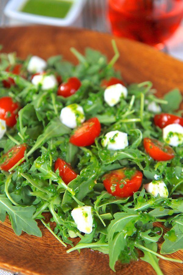 Caprese Arugula Salad with Basil Vinaigrette