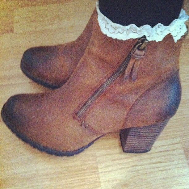 Clarks | Boots | Ankle boots | Instagram photo by @lauraalice95