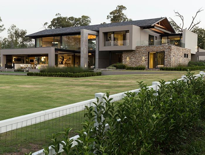 Contemporary Farmhouse In South Africa