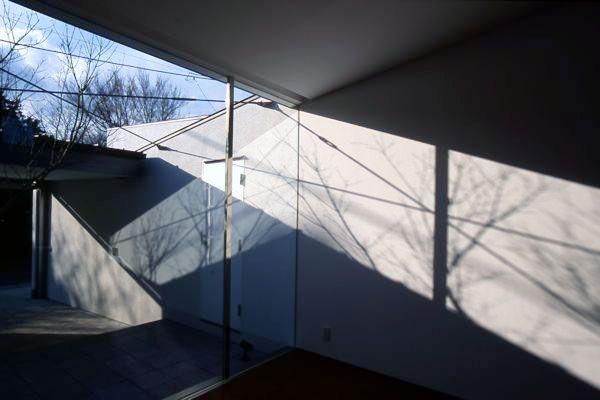 建築家の住宅 Sz邸   建築家, 中庭住宅, 建築