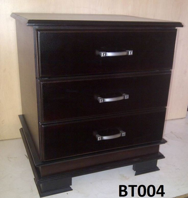 T004 Classic style with 3 drawers