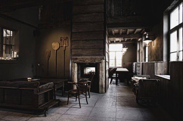 Totaalinrichting brasserie Engelentijne - Landelijke stijl - Interior design project - Chairs - Authentic decoration - Country style #WoonTheater