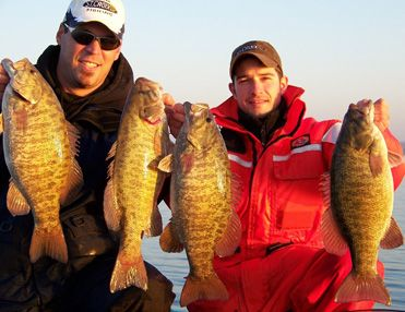 Take Dad fishing this Father's Day! This site has all the details to help plan your trip! For more fishing sites and things to do in Ontario: http://www.summerfunguide.ca/021/learn-to-fish-golf-fly-take-photos-etc-.html #summer #fun #ontario #fathersday #fishing