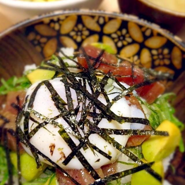 今夜は早起きして眠くて仕方ないので簡単に出来る漬け丼にしました(^^)マヨネーズをかけて食べても美味しいです - 26件のもぐもぐ - マグロ漬け丼 by shokoarai5nQn
