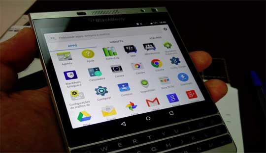BlackBerry Passport Silver Edition with Android Lollipop Video Leaked