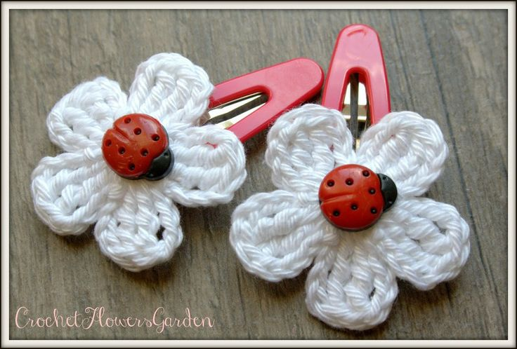 Set van 2 haar clips gehaakte bloemen, kikker van CrochetFlowersGarden op DaWanda.com